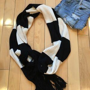 New club Monaco merino wool scarf